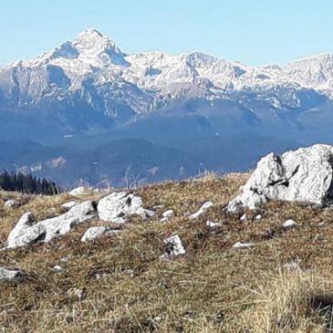 Pohodniški izleti po Sloveniji – spodnje Bohinjske gore – Peči – Ratitovec
